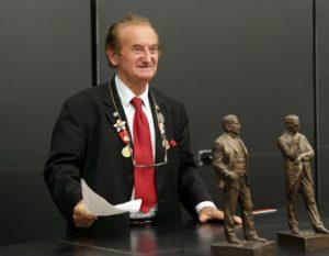 Dr Ljubo Vujović
